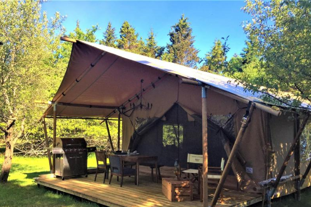 Gifford Island Glamping, Sail and Stay Package