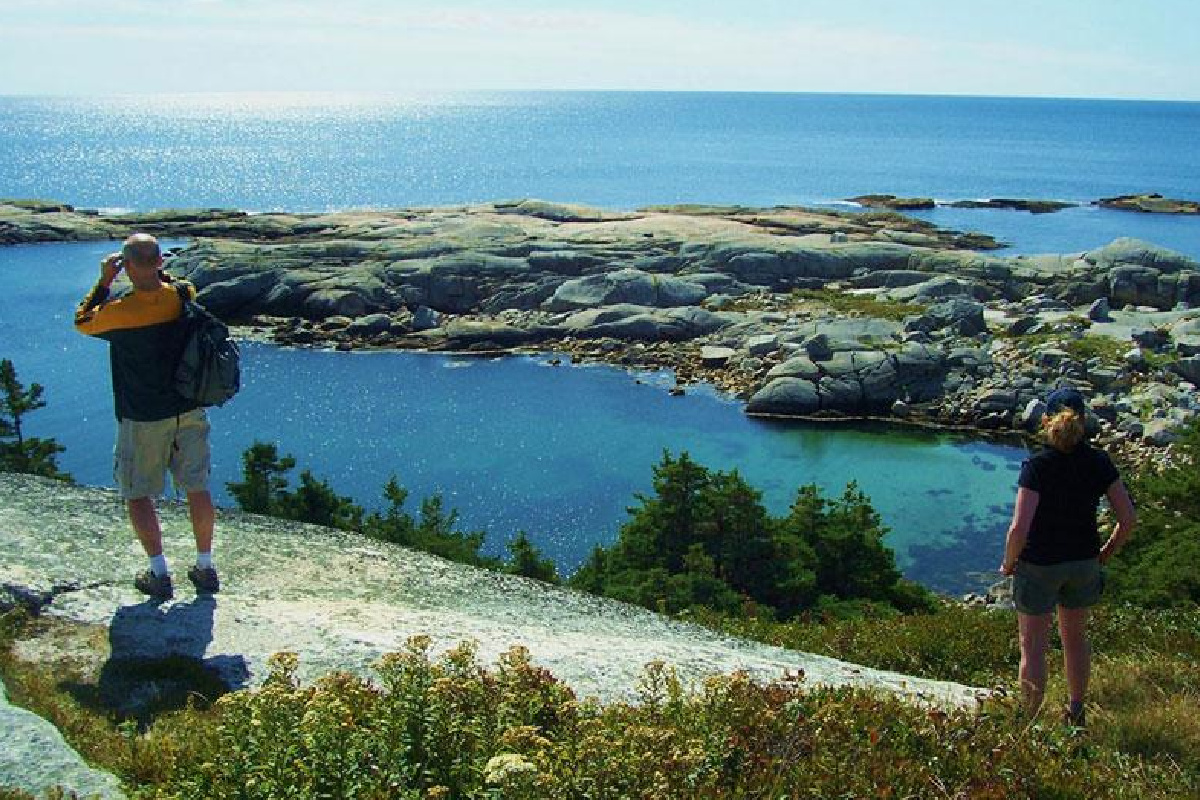 Peggy's Cove Hike and Village Tour